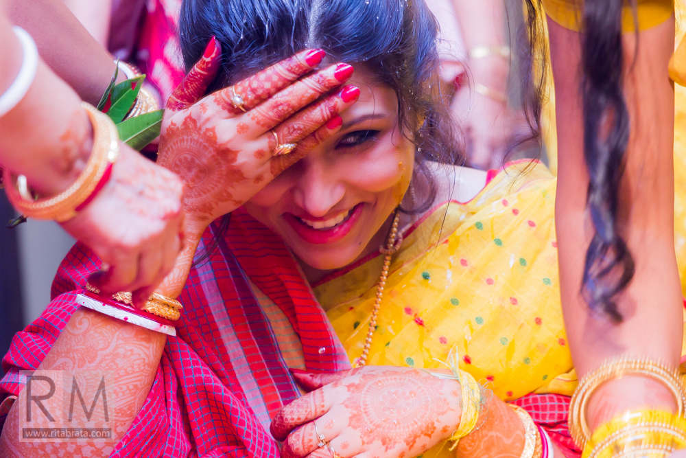 haldi ceremony in a bengali wedding