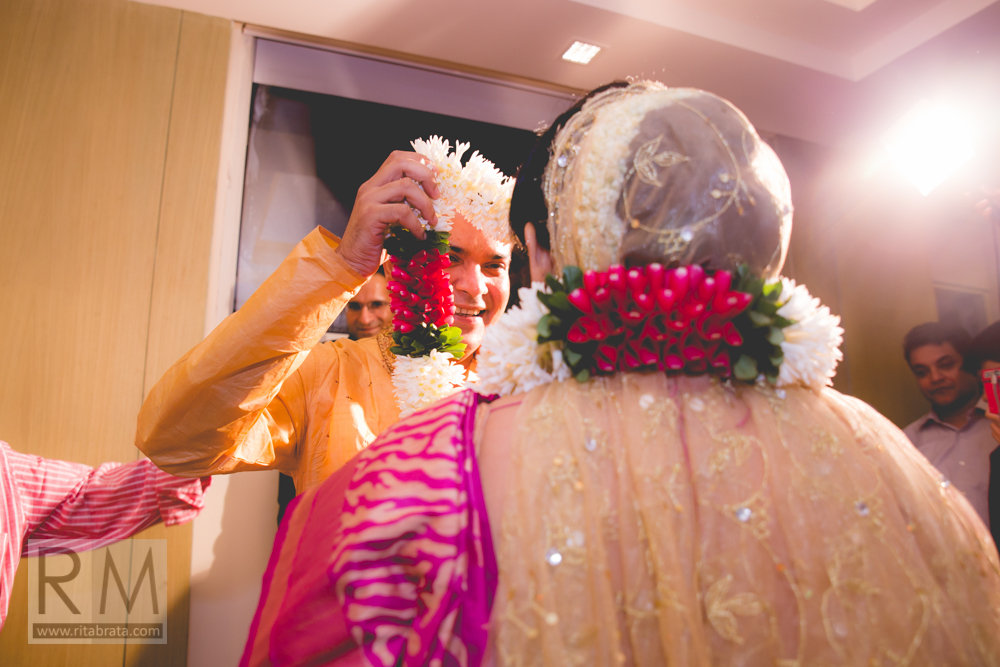 photojournalistic wedding photography in kolkata-36