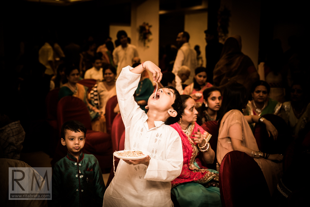 candid-wedding-photographer-kolkata-230