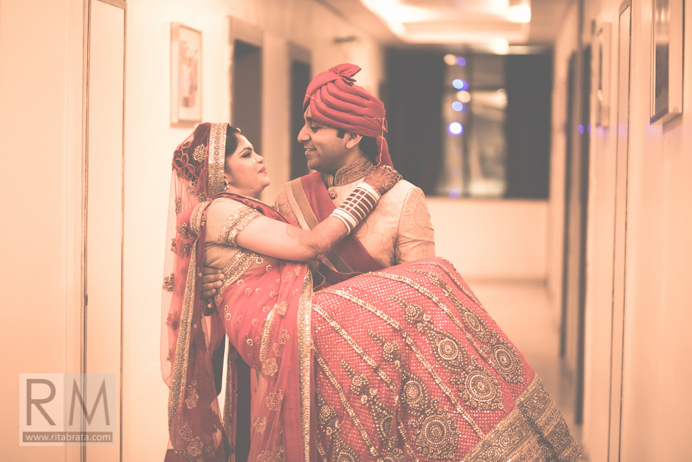 candid-wedding-photographer-kolkata-251