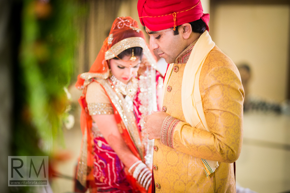 candid-wedding-photographer-kolkata-256